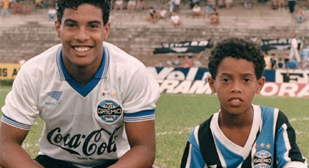 Роналдиньо с братом Робертом